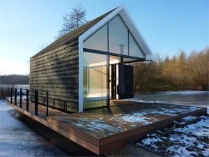 innovative-island-house-with-glass-facade-1-300x225
