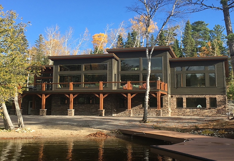 Why is it a challenge to get a cost estimate for a custom timber frame home?